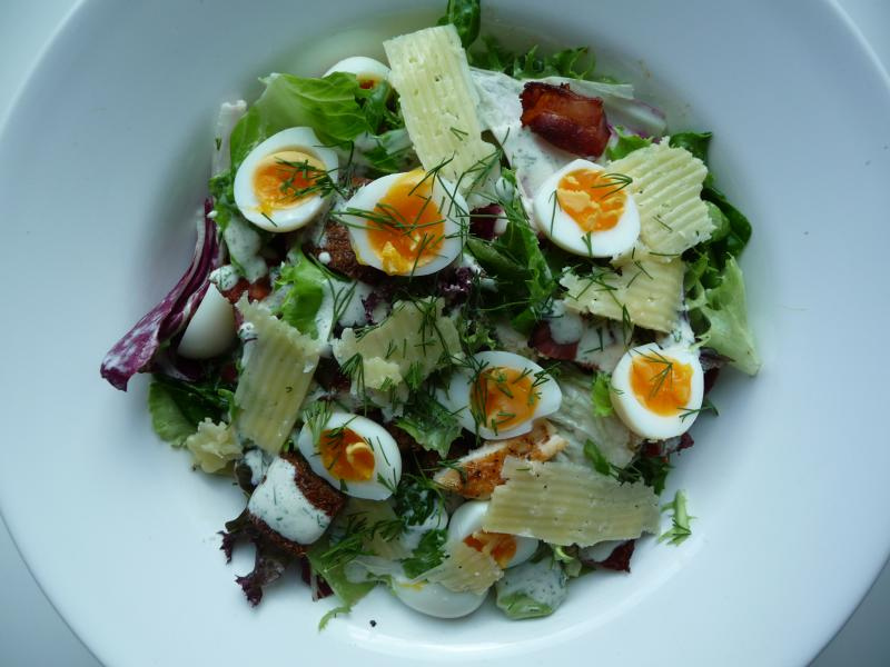 Green salad of hard-boiled eggs